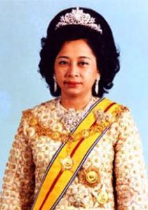 D.Y.M.M.-Almarhumah-Tengku-Hajah-Afzan-binti-Almarhum-Tengku-Muhammad