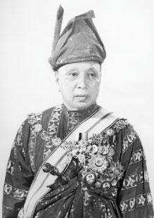 Sultan-Sir-Abu-Bakar-Ri'ayatuddin-Al-Mu'adzam-Shah